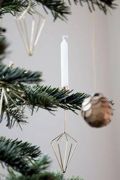My home at Christmas - going off grid with real candles from Nordal :) / Photograhy Niki / Brantmark - My Scandinavian Home Blog (styling - Genevieve Jorn).
