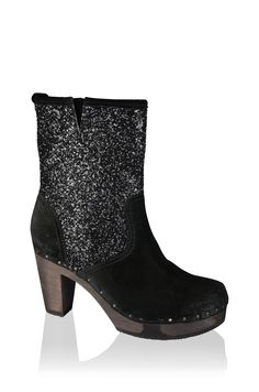 Fedra, Bailey, Lavaglitter, schwarz #softclox #winter #wintershoes #woddensole #lavaglitter #munich #darksole #wood #veloursleather #clogs #shoes