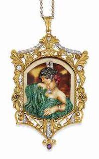 Fusset y Grau fue un reconocido joyero que adoptó el nuevo estilo, como hizo también Masriera, y produjo series de piezas únicas,alrededor del 1900