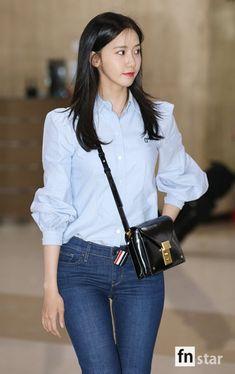 SNSD YoonA is back from her Fan meeting in Japan Korean Beauty, Asian Beauty, Kpop Mode, Girl's Generation, Snsd Fashion, Yoona Snsd, Korean Street Fashion, Korean Actresses, Beautiful Asian Girls