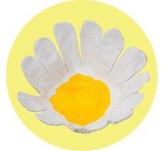 Daisy  Prästkrage  #gördetsjälv #evaochcoline #pyssel #craft #children #children #handmade #barnbok #kidsbook #DIY #idusförlag #illustration #watercolor #akvarell #doityourself #pysslahemma #boktips #details #pysseltips #krea #blomma #flower #daisy #egg #carton