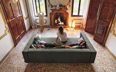 Lago, divano Air comp.432 | Mini o maxi, ma sempre comodissimi | Qual è la dimensione migliore per un divano? Per scegliere quello giusto per noi, vediamo insieme un po' di misure. | #design #interiordesign #italiandesign #divano #maxi #mini #misure |