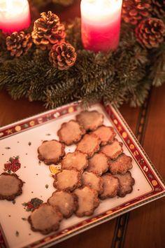 Marias Orangen-Schokoplätzchen Spatzle, Orange, Ethnic Recipes, Food, Christmas Music, Childhood Memories, Christmas Time, Christmas, Essen