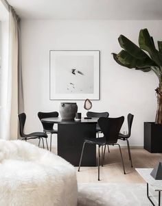 Living Room : Minimal and chique home – via Coco Lapine Design Simple Living Room, Home And Living, Living Room Decor, Living Rooms, Minimalist Dining Room, Minimalist Living, Minimalist Decor, Living Room Remodel, Home And Deco