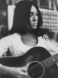 Cree Indian singer, Buffy St. Marie