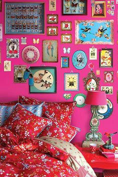 .Bohemian style bedroom in hot pink and cherry red