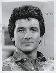 1987 Press Photo Patrick Duffy the man in the picture - Historic Images Patrick Duffy, Dallas Tv Show, Handsome Older Men, Victoria Principal, Texas, Nostalgia, Press Photo, Gorgeous Men, Bobby