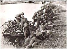 Foto's 1939-1940: Archief foto van de maand_2004