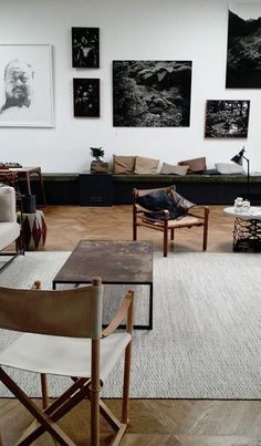 Home and Delicious: LAY-OUT IN THE LIVING ROOM
