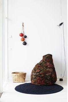 amazing bean bag chair.