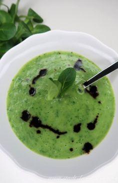 Rezept Nüsslisalatsuppe. Feldsalatsuppe, Vogerlsalatsuppe. Salatsuppe. Ethnic Recipes, Food, Fruits And Veggies, City, Essen, Meals, Yemek, Eten