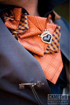 necktie collar