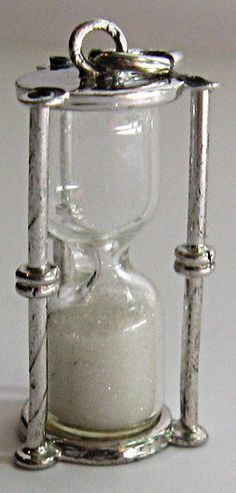 VINTAGE STERLING SILVER GLASS SAND 3D HOURGLASS TIMER CHARM - IT WORKS!