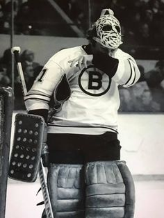 Gerry Cheevers Hockey Baby, Hockey Goalie, Hockey Players, Nhl, Boston Bruins Goalies, Goalie Mask, Good Old Times, Final Four, Best Masks