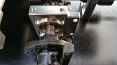 Aluminium Halterung statt Kunststoff Halterung für die Bremsen.