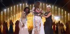 [VÍDEO] Nueva @MissUSA casi se desploma en plena coronación...