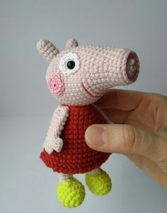PDF Свинка Пеппа / Peppa Pig. Бесплатный мастер-класс, схема и описание для вязания игрушки амигуруми крючком. Вяжем игрушки своими руками! FREE amigurumi pattern. #амигуруми #amigurumi #схема #описание #мк #pattern #вязание #crochet #knitting #toy #handmade #поделки #pdf #рукоделие #свинка #Пеппа #свин #свинья #поросенок #Peppa #pig #piglet