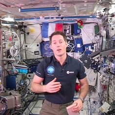 L'astronaute français de l'ESA Thomas Pesquet a donné ce 2 janvier le coup d'envoi d'un concours d'écriture destiné aux enfants, adolescents et jeunes adultes demoins de 25 ans depuis la Station spatiale internationale où il effectue actuellement sa mission Proxima.