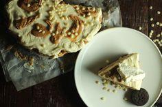 White Chocolate & Peanut Butter Pie (Gluten Free) — Probably Baking  #glutenfree #peanutbutter #whitechocolate #oreo #pies