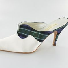 tartan #wedding shoes <3 Tartan Wedding ideas, Scottish Wedding, Tartan patterned Ideas and Inspirations. Wedding Directory-UK