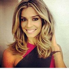 New hairstyles for medium length hair color brunettes blonde ombre Ideas Lisa Marie Presley, Long Bob Hairstyles, Hairstyles Haircuts, Medium Hair Styles For Women, Short Hair Styles, Volume Russe, Blond, Langer Bob, Long Hair Cuts