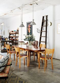 Dining room of Kate Ratner and family in Sydney / photo by Sean Fennessy