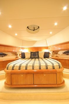 Vogue of Beaulieu Sunseeker Luxury Yacht Charter