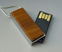 10 Nifty Necklaces That Double as USB Drives - Jasper dunes USB Flash Drive Necklace