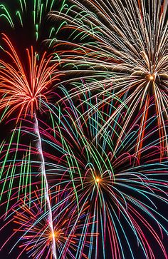 To watch fireworks around the world Fireworks Photography, Fireworks Photos, Fire Works, Photographs Of People, World Photography, Pretty Lights, Over The Rainbow, Art World, Rainbow Colors