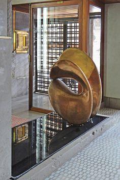 Olivetti Showroom, Venice, Carlo Scarpa, 1957-1958. The bronze sculptureNudo al Sole, Alberto Viani, 1956.