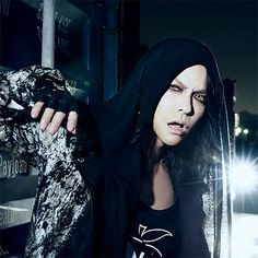 The new Twitter icon of HYDE. #VAMPS #HYDE #2016