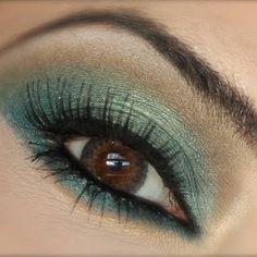 Aqua Smokey Eyes