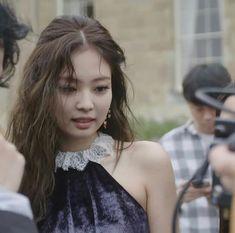 So Beautiful, Jennie! Yg Groups, Kpop Girl Groups, Korean Girl Groups, Kpop Girls, Kim Jennie, Yg Entertainment, Blackpink Debut, Blackpink Icons, Soyeon
