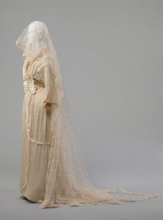 Object: Wedding dress | Collections Online - Museum of New Zealand Te Papa Tongarewa