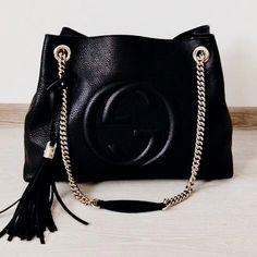 Gucci handbags and accessories, the most important bags a .- Gucci Handtaschen und Accessoires, die wichtigsten Taschen auf Designertaschen-S… Gucci handbags and accessories, the most important bags on Designer Bags-S … - Luxury Bags, Luxury Handbags, Fashion Handbags, Purses And Handbags, Fashion Bags, Leather Handbags, Cheap Handbags, Popular Handbags, Cheap Purses