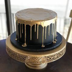 Black And Gold Birthday Cake, Golden Birthday Cakes, Black And Gold Cake, Birthday Cake For Him, Elegant Birthday Cakes, Birthday Cakes For Men, Cake For Boyfriend, Boyfriend Birthday, Bolo Original