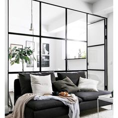 77 elegant scandinavian interior design decor ideas with small spaces Scandinavian Interior Design, Apartment Interior Design, Living Room Interior, Living Room Decor, Scandinavian Living, Studio Living, Style Deco, Home And Deco, Room Inspiration
