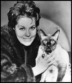 Kim Novak with Pyewacket (actor cat)