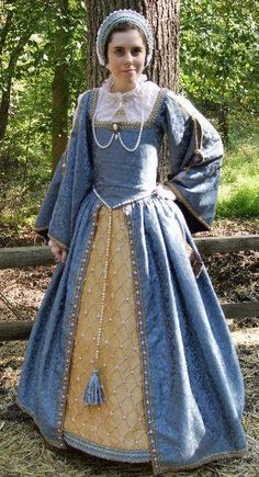 Slate Blue with Pearls Tudor Gown Love the pearls on the skirt.