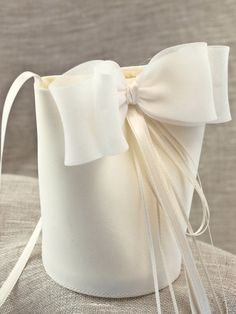 First Communion Veils, Girls Communion Dresses, Vintage Bags, Vintage Handbags, Bridal Accessories, Bag Accessories, Lace Bag, Wedding Purse, String Bag