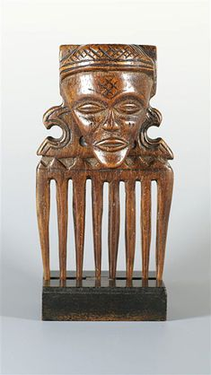 Africa | Comb from the Tchokwe people from the DR Congo | wood | ca. mid 1900s.