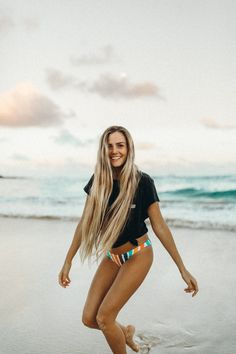 www.hbgoodie.com North Shore of Oahu, Hawaii. Adventure + travel blog. Travel and photography tips to capture your beautiful life. #longhair #beach