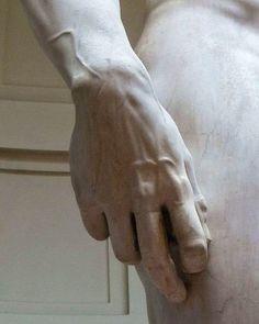 「ダビデ像の『手』がこんなにリアルだって知ってた?」さすがは巨匠ミケランジェロだと感心の声
