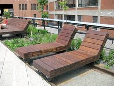 We would definitely love rolling lounge chairs like the ones on NYC's Highline! #PinMyDreamBackyard