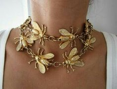 I think I could do this with gold spray paint!, necklace # could paint - Beautiful Jewelry Necklaces Bee Necklace … I think I could do this with gold spray paint! Bee Jewelry, Insect Jewelry, Jewelry Accessories, Fashion Accessories, Jewelry Necklaces, Jewelry Design, Fashion Jewelry, Fashion Hair, Gold Jewellery