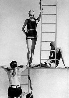 Swimwear, 1929, photo by Baron George Honingen-Huene