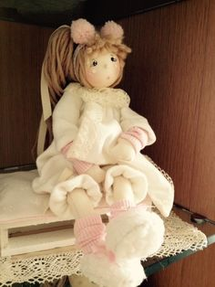 Clay Dolls, Doll Toys, Art Dolls, Diy Rag Dolls, Diy Doll, Fabric Brooch, Needle Felting, Puppets, Projects To Try