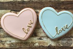 Valentine love love You are in the right place about Valentine's Day food at home Here we offer you the most beautiful pictures about the Valentine's Day food cake you are looking for. When you examine the Valentine love Valentine's Day Sugar Cookies, Sugar Cookie Icing, Fancy Cookies, Heart Cookies, Iced Cookies, Cute Cookies, Royal Icing Cookies, Cookies Et Biscuits, Cupcake Cookies