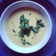 Potato and leek soup for an easy to please husband Potato Leek Soup, Meatless Monday, Potatoes, Husband, Ethnic Recipes, Easy, Food, Potato, Meals