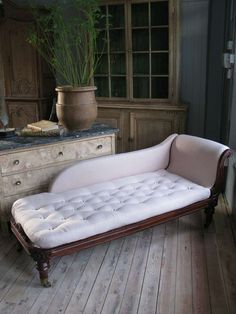 Fine quality 19th Cent English Country House Daybed | From a unique collection of antique and modern day beds at http://www.1stdibs.com/furniture/seating/day-beds/